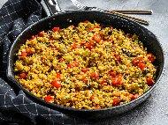 Рецепта Гарнитура от варен булгур, домати, чушка и лук